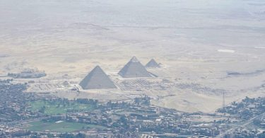 the_great_pyramid_of_giza_as_seen_from_secretary_kerrys_plane_as_he_travels_from_vienna_to_cairo_26824771360